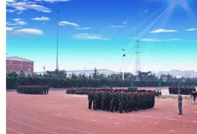 山东蓝翔技校十一个方面的办学特色