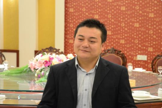 """落榜生变成""""小富豪""""——烹饪专业成功学员李成"""